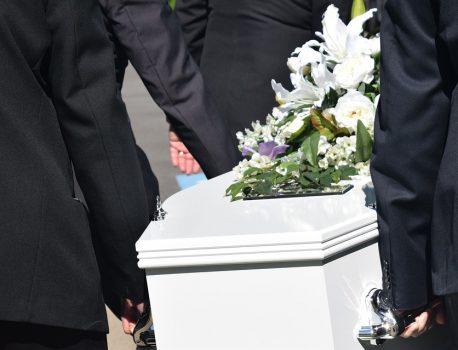 Comment préparer des obsèques?