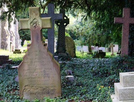 Comment entretenir une sépulture?